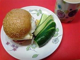 псевдобургер на завтрак:)