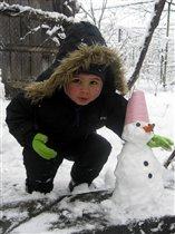 Лепим мы снеговика