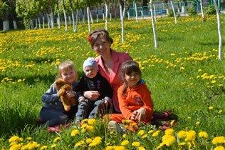 В парке с любимыми детками и племянницей