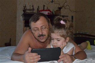 Дедуля держатель планшета)