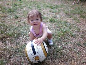 Лето - время футбола