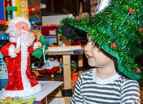 Арсений в ожидании новогодних чудес!
