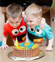 На двоих один день рождения...