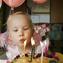 У  Алисы День Рождения!
