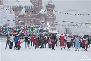 Семейный зимний «Праздник жизни» на Красной площади в пользу тяжелобольных детей