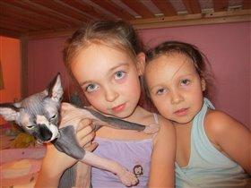 Лучшие друзья-сестричка и Лысая кошечка моя!