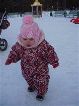 Первая зима в жизни Ани)))
