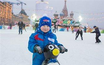 Бесплатные часы на катке на Красной площади