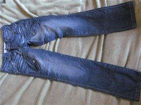 джинсы китай, привезены из Италии. Новые. цена 800