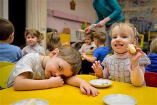 Полдник в детском саду