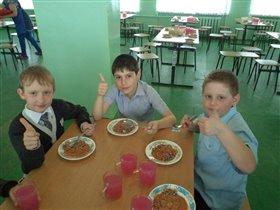 Любимая школьная столовая
