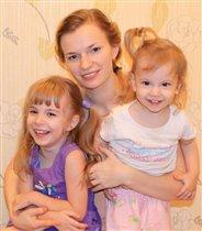 Веселились три девчонки...