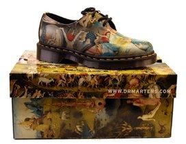 Ботинки Dr. Martens c фрагментами «Сада земных наслаждений» Босха теперь в России