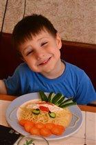 Весёлый обед для весёлого мальчишки -))