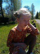 Сяду на пенёк в солнечный денёк