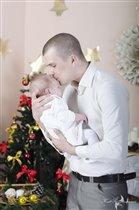 Мирослава с папой! На фото нашей малышке 2 месяца
