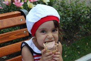 как же я люблю мороженое!!!!!!!