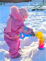 Строим снежную крепость