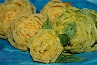 Мои жёлтые розы из ткани.