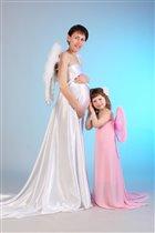 Общаемся сразу с двумя ангелочками)