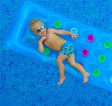 Кругом голубая вода