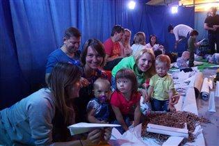 9 августа, 11.00 'Я делаю мир' - спектакль для детей от 1,5 до 3,5 лет