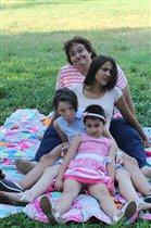 Летом в парке, на пикнике