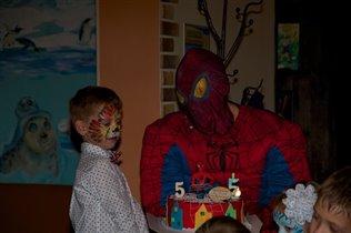 долгожданная встреча с человеком-пауком:)
