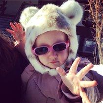 Модная девочка: лучшие шапки сезона от дочери Алека Болдуина