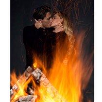 Вся в огне: Глюкоза поздравляет мужа