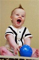 Смешно! Во весь мой первый зуб!...
