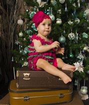 Двух чемоданов маловато....не достаю до макушки(