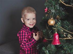 Новый год к нам мчится!))