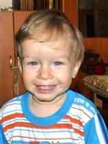 Наш сынишка-шалунишка - очень озорной мальчишка