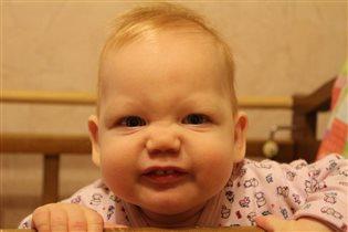 Первые зубки)))