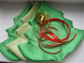 Процесс изготовления текстильной елочки