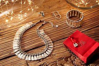 Подарки на Новый год от испанского ювелирного бренда UNOde50