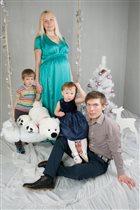 Большая счастливая семья.