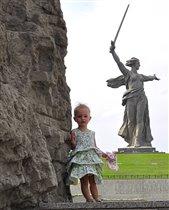 Ксения и 'Родина-мать зовет'!!!