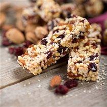 Вкусно и полезно: орехово-фруктовые снеки для поста и фитнеса
