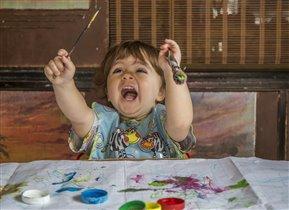 Хочу быть художником или артисткой, или певицей...