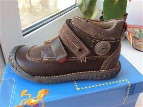 Новые демисезонные ботинки Noel 34 размер 3000-00