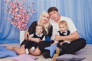 Наша счастливая семья