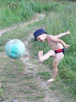 грозный футболист