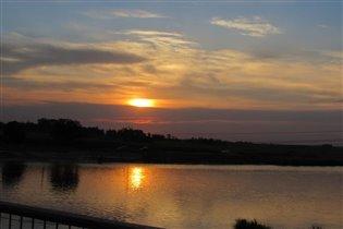 Июньский закат на реке