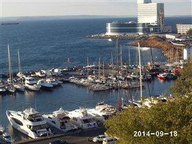 Вид из окна: набережная,  г. Владивосток.
