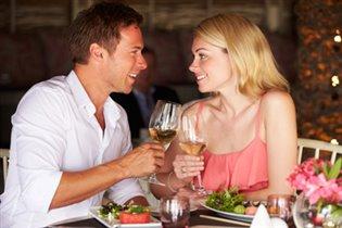 Идеальный романтический ужин — вино, шампанское и деликатесы