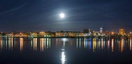 Чебоксары,Волга,поздний вечер.