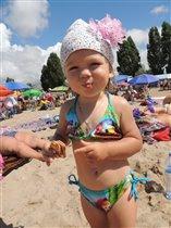 Милаша на пляже!
