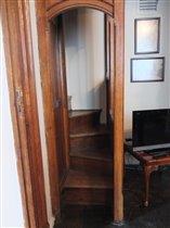 Лестница на галерею